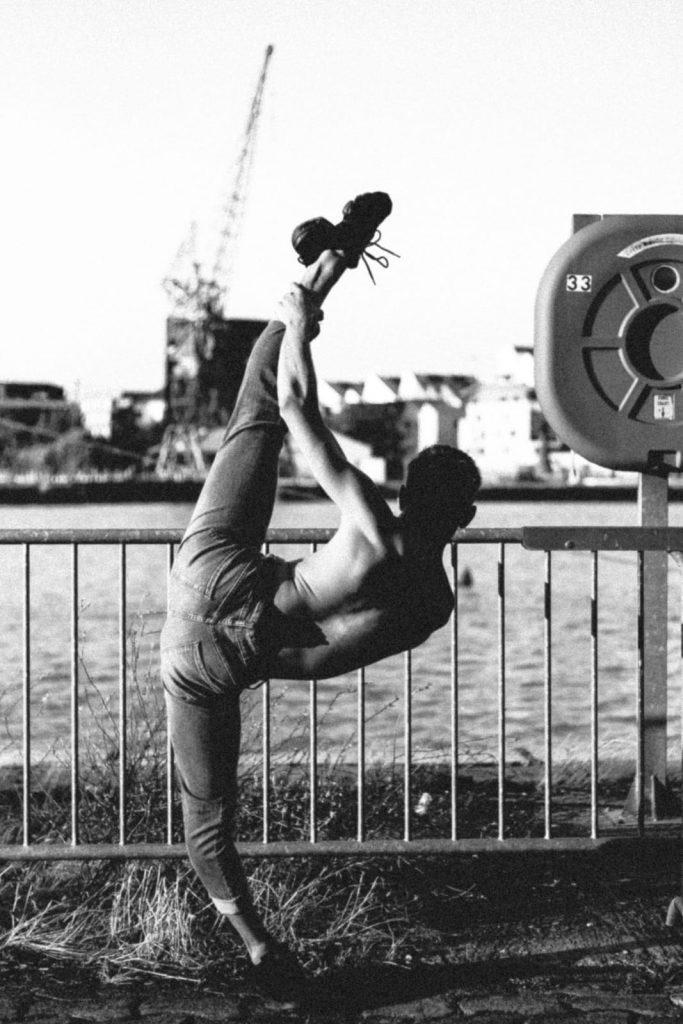 école de danse l'atelier chorégraphique bordeaux camille margnoux artiste chorégraphe professeur de danse contemporaine et modern'jazz